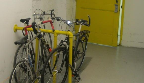 06 05 07 333 bike storage
