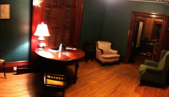 06 05 05 879 front room pano nighttime