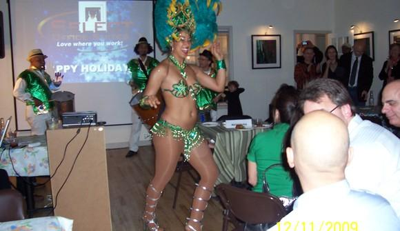 06 07 44 344 samba holiday party photo