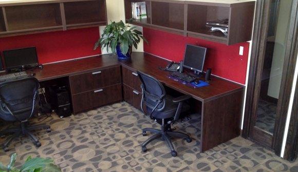 2 desks plants 2