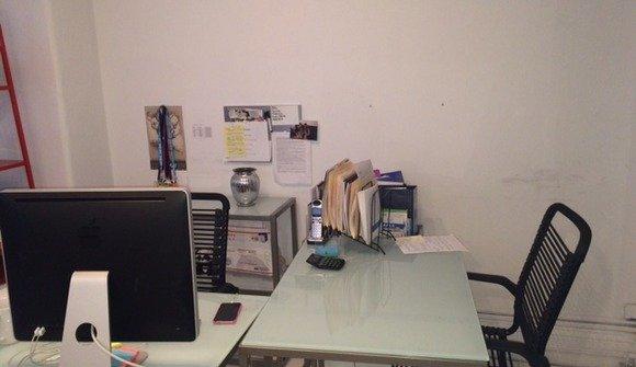 Desks image 3